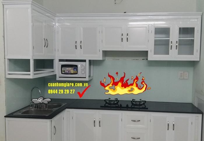 Tủ bếp nhôm kính 2